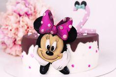 #birthday #minnie #cake #cakes #torta #cakenorell #fondant Minnie Cake, Fondant, Cakes, Birthday, Desserts, Food, Tailgate Desserts, Birthdays, Deserts