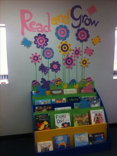 1000+ ideas about Library Displays on Pinterest | School ...