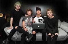 5 Seconds of Summer, they look so cuddly here! Especially Luke ×_×