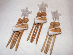 We made some of these... very cute! Mine will hang on our Christmas tree this year