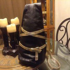 SOLD!! Women Ladies NWOT Patti For Hung on U Kiss Black Leather Crossbody Wristlet $425 #PattiForHungonU #MessengerCrossBody