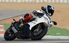 Hot Off The Track! We Ride The Triumph Daytona 675R! - Photo Gallery - Cycle Canada