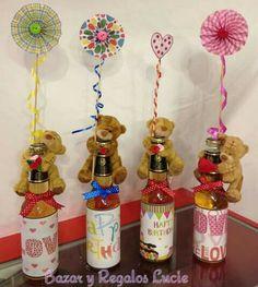 Valentines Day Baskets, Valentine Crafts, Cute Birthday Gift, Diy Birthday, Balloon Gift, Work Gifts, Chocolate Bouquet, Candy Bouquet, Creative Gifts