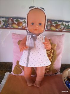 coser es fácil...: VESTIDITOS NENUCO Sunbonnet Sue, Baby Born, Doll Clothes, Girl Outfits, Dolls, Photo And Video, Pattern, Clothing, Fashion