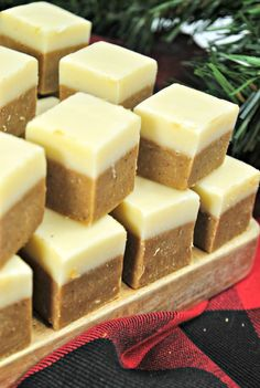 Get in the mood for the holidays with this incredible Gingerbread Fudge Recipe with Vanilla Top Fudge Layer. Fudge Recipes, Best Dessert Recipes, Candy Recipes, Fun Desserts, Holiday Recipes, Christmas Recipes, Cookie Recipes, Chocolate Meringue Pie, Chocolate Melting Wafers