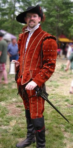 Elizabethan Gentleman in a leather doublet. - Paul needs to make an outfit like this!