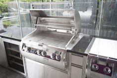 Aussenküche Grill Grill, Wall Oven, Kitchen Appliances, Outdoor Decor, Home Decor, Diy Kitchen Appliances, Home Appliances, Decoration Home, Room Decor