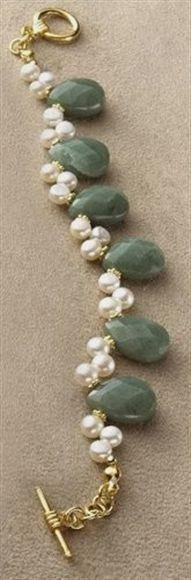 Diy Jewelry : Adventurine and Freshwater Pearl Bracelet $46 Art Inst Chicago #jewelrydiy #jewelrydiy
