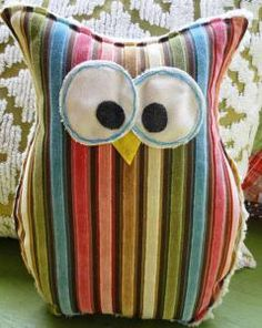 Owl Pillow by buttonbirddesigns on Etsy Owl Fabric, Fabric Crafts, Sewing Crafts, Sewing Projects, Craft Projects, Sewing Pillows, Diy Pillows, Decorative Pillows, Throw Pillows