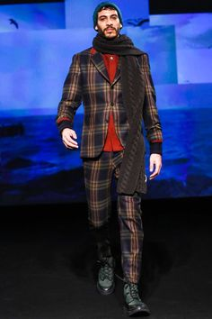 Umit Benan Menswear Fall Winter 2015 Paris.  Like the scarf and pants.