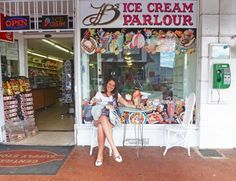 http://www.rhinoafrica.com/blog/2013/04/16/simons-town/ | Ice-cream Parlours... gotta love 'em