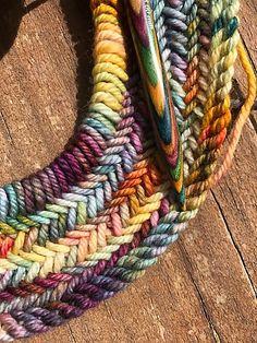 Big Herringbone Cowl by Purl Soho knitted by Malabrigo Rios in Dian . - Big Herringbone Cowl by Purl Soho knitted by Malabrigo Rios in Diana Big Herringbone Cowl b - Loom Knitting, Knitting Stitches, Free Knitting, Knitting Scarves, Finger Knitting, Knitting Machine, Knitting Needles, Diy Tricot Crochet, Knit Or Crochet