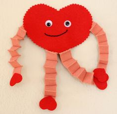 Valentine's Heart Guy - Craft Fiesta Preschool Valentine Crafts, Kinder Valentines, Valentine Theme, Valentines Day Activities, Classroom Crafts, Valentines Day Party, Valentine Nails, Valentine Ideas, Valentinstag Party