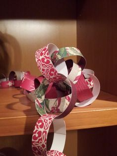 Cute holiday paper chains.