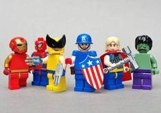 LEGO mini figures in Super Heroes! Here are the LEGO version of Hulk Lego Hulk, Lego Marvel, Lego Lego, Avengers Team, Lego People, Lego Worlds, Custom Lego, Maker, Cool Lego
