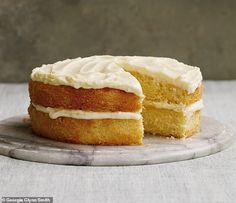 Mary Berry's Whole Fruit Clementine Cake - This cake has an impressively well-risen deep sponge, flecked with soft orange peel, and using the whole clementine gives a wonderful moistness. British Baking Show Recipes, British Bake Off Recipes, Baking Recipes, Clementine Recipes, Clementine Cake, Delicious Cake Recipes, Yummy Cakes, Sweet Recipes, Fruit Recipes