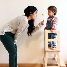 Voici un DIY simple pour réaliser une tour Montessori d'observation qui apportera à votre enfant la sécurité nécessaire pour réaliser des activités avec vous.