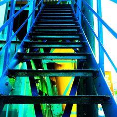 """@hart_l's photo: """"Wereldhavendagen 2014, Rotterdam #wereldhavendagen #leuvehaven #stairs #blue #green #yellow #rotterdam"""""""