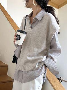 Women's Commuting Sleeveless Round Neck V-Neck Knit Tank Top Sweater - Korean fashion Sweater Vest Outfit, Vest Outfits, Mode Outfits, Korean Outfits, Fashion Outfits, Womens Fashion, Sweater Vests, Knit Vest, Sweaters
