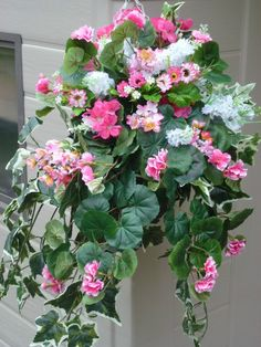 Hanging basket medium with artificial pink trailing geranium