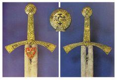 SZCZERBIEC SZCZERBIEC (la espada mellada) – the coronation sword of Polish Kings. c. 1250 d.C. Royal Castle of Wawel,  Kraków, Inv. No. 137. http://gladius.revistas.csic.es/index.php/gladius/article/view/239/245