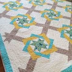 WOVEN  SQUARE QUILT.........PC