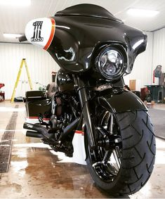 Performance Machine, Fat Tire Bagger with Formula Wheels!