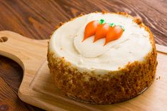 Just in time for Easter, it's time to master the art of baking the perfect carrot cake. Non Chocolate Desserts, Greek Desserts, Kinds Of Desserts, Sweet Recipes, Cake Recipes, Dessert Recipes, Cake Cookies, Cupcake Cakes, Rose Bakery