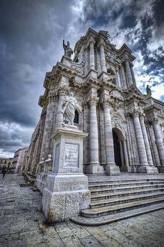 Siracusa (Italia) - La Cattedrale - by Andrea Rapisarda, via 500px #lsicilia #sicily #siracusa #VisitingItaly