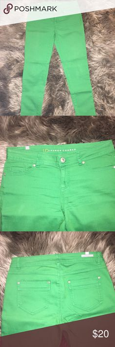 """LC Lauren Conrad Ankle Skinny Jeans (Size 6) Emerald green skinny ankle jeans in great pre-owned condition.  Size 6, 27"""" inseam.  Worn twice.  No fading, rips or tears.  Comes from a smoke-free and pet-free home. LC Lauren Conrad Jeans Skinny"""