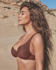 Kim Kardashian Photoshoot, Kim Kardashian Bikini, Kim Kardashian Show, Kardashian Style, Kardashian Jenner, Kim Kardashian Long Hair, Kylie Jenner, Kanye West, Rapper
