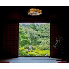【shinoogawa0325】さんのInstagramの写真をピンしています。《『本堂×太陽×深緑』  暑いからちょっとひと休み  明月院より  #写真が好きな人と繋がりたい  #カメラが好きな人と繋がりたい  #ファインダー越しの私の世界 #写真 #photooftheday #photo  #eoskiss #canon #eoskissx7i #一眼レフ #公園 #林 #緑 #green #forest  #nature_perfection #naturephotography #leafs #naturelovers  #おさんぽ #daytrip  #東京カメラ部 #カメラ女子 #カメラ初心者 #portrait #portraitphotography #明月院》