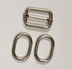 how to sew adjustable bag straps How To Make Purses, How To Make Handbags, Diy Adjustable Purse Strap, Diy Purse Strap, How To Make Leather, Bucket Purse, Diy Handbag, Frame Bag, Wallet Pattern