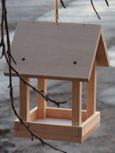 Garden crafts bird feeders 23 ideas for 2019 Wood Bird Feeder, Bird Feeder Plans, Bird House Feeder, Homemade Bird Houses, Homemade Bird Feeders, Bird Houses Diy, Bird Feeders For Kids To Make, Make A Bird Feeder, Craft Projects For Kids