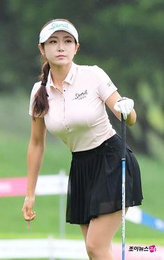 Girls Golf, Ladies Golf, Emma Watson Sexiest, Golf Wear, Great Women, Curvy Women Fashion, Golf Outfit, Sport Girl, Beautiful Asian Girls