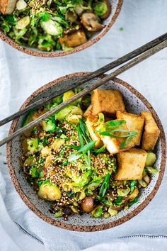 Detoxing Sesame Brussel Sprouts and Tofu Bowl with mushrooms scallions and toasted sesame seeds Vegan and Glutenfree Vegan Dinner Recipes, Vegan Dinners, Whole Food Recipes, Vegetarian Recipes, Healthy Recipes, Delicious Recipes, Tasty, Supper Recipes, Healthy Food