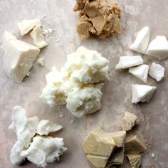 About Butters in Bath & Beauty Products Butters feel amazing in bath and beauty products. Learn about which is right for your project in this post.Butters feel amazing in bath and beauty products. Learn about which is right for your project in this post. Diy Body Butter, Whipped Body Butter, Mango Butter For Hair, Diy Lotion, Lotion Bars, Diy Beauty Hacks, Beauty Tips, Pure Beauty, Beauty Skin