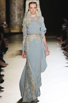 This feels very organic.   (Elie Saab 20 - Paris Haute Couture Automne-Hiver 2012-2013)