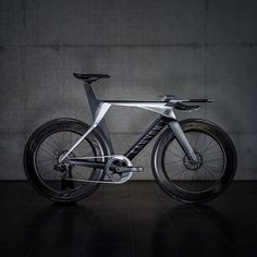 Introducing #Recognizer – a design study produced in partnership with Kegelmann Technik and @sramroad that offers a styling approach for potential future Canyon designs. As with our current time trial bikes, we value strong visible connections between form and overall riding performance. Recognizer explores this concept by playing on current design themes and taking them to whole new levels. What do you think?