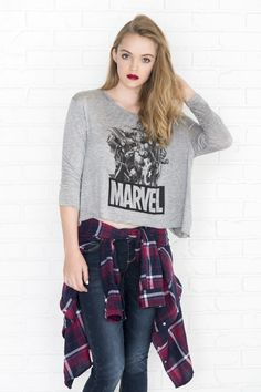 Ardene carries t-shirts in all trends, so shop short-sleeved graphic tees, cropped and retro styles and hot prints in cotton, ribbed and super soft fabrics. Girl Outfits, Cute Outfits, Fashion Outfits, T-shirts Graphiques, Off Shoulder Fashion, Retro Fashion, Heather Grey, Long Sleeve Shirts, T Shirt