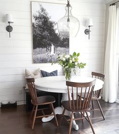The Best Minimalist Dining Room Decor Ideas - In the event that you've just barely moved into another home and you're an individual who has faith in moderation, at that point this article is for y. Dining Room Wall Art, Dining Room Design, Dining Rooms, Dining Tables, Dining Area, Table Bench, Kitchen Tables, Small Dining, Bench Seat