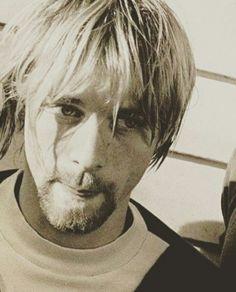 Kurt Cobain Beautiful Wife, Beautiful People, Donald Cobain, Nirvana Kurt Cobain, Smells Like Teen Spirit, Special Effects Makeup, Young At Heart, Foo Fighters, Band Posters
