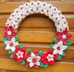 Xmas Crafts, Yarn Crafts, Sewing Crafts, Diy And Crafts, Mini Christmas Ornaments, Felt Christmas Decorations, Christmas Wreaths, Easy Crafts For Teens, Fabric Embellishment