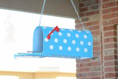 adorable bird feeder made from a mailbox!