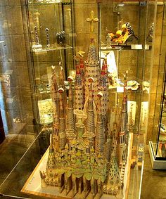 - Sagrada Família - Modello della facciata della Gloria.