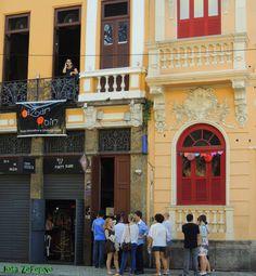Bazar Noir contará com performances, shows musicais, exposição, desfile e brechó, ocupando o Teatro Odisséia e a Choperia Brazooka