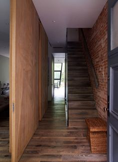 Chelsea Townhouse by Archi Tectonics 2 Creatively Partitioned Chelsea Townhouse On Three Levels