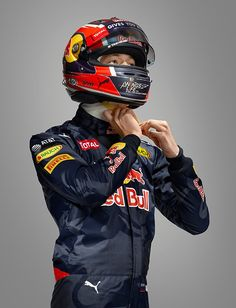 Dani・KV with RedBull Puma Racing Suits