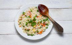 Cómo hacer un delicioso arroz chino Tzatziki, Arroz Frito, Wok, Risotto, Grains, Rice, Ethnic Recipes, Gastronomia, Chinese Rice Recipe