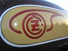 Jawa CZ Enfield Motorcycle, Motorcycle Logo, Street Tracker, European Countries, Royal Enfield, Mad Max, Czech Republic, Scooters, Motorbikes
